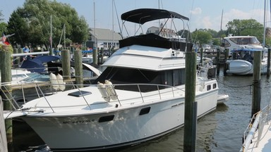Used Boats: Carver 32 AFT CABIN for sale