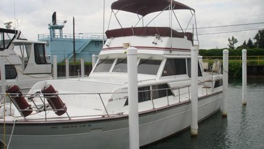 Used Boats: Marinette 39' Aft Cabin for sale