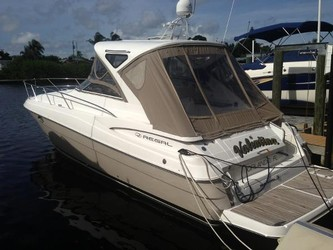 Used Boats: Regal 3760 Sportyacht for sale