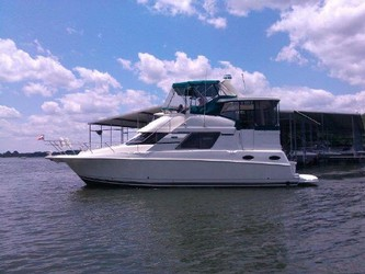 Used Boats: Silverton 392 Motor Yacht for sale