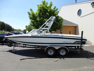 Used Boats: Supra Sunsport 22 for sale