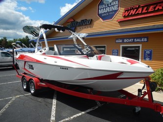 Used Boats: Axis Wake T22 for sale