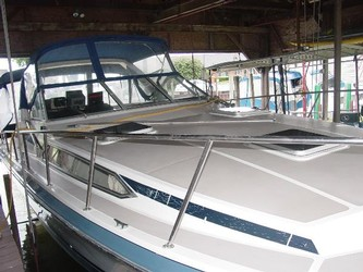 Used Boats: Bayliner 3250 Conquest for sale