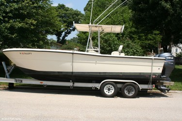 Used Boats: Pursuit 2570 for sale