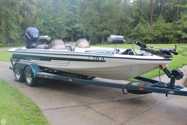 Used Boats: Moores Pro Gator 200 V for sale
