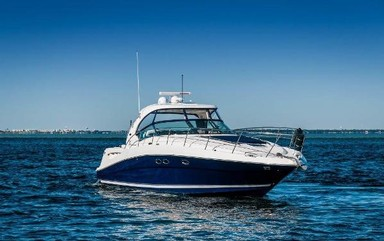 Used Boats: Sea Ray 390 for sale