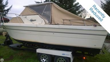 Used Boats: Carver 2276 Camper for sale