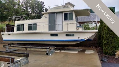 Used Boats: Holiday Mansion Barracuda 38 for sale