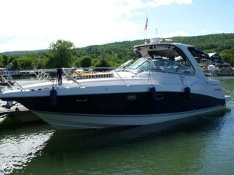 Used Boats: Four Winns 378 Vista for sale
