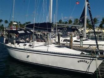Used Boats: HUNTER Legend 37 for sale
