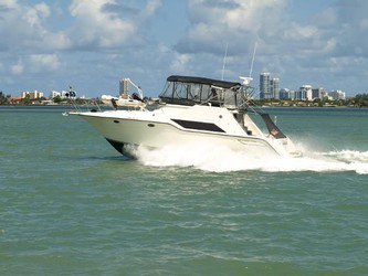 Used Boats: Cruiser's Inc 4280 Express Bridge for sale