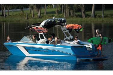 Used Boats: Nautique Super Air Nautique 230 for sale