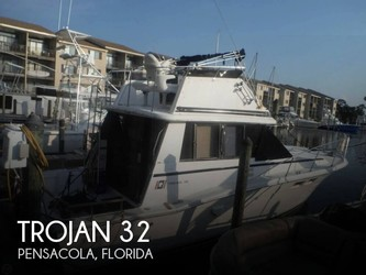 Used Boats: Trojan F 32 Sedan bridge for sale