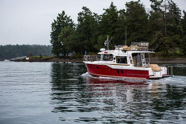 Used Boats: Ranger Tugs R-29 Command Bridge Luxury Edition for sale