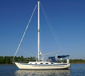 Used Boats: Pacific Seacraft Crealock 31 for sale