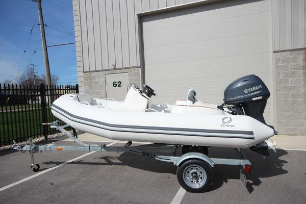 11' Zodiac Yachtline 360 DL NEO 40hp In Stock