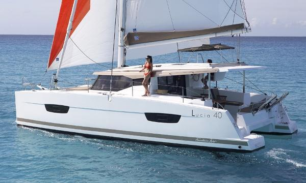 40' Fountaine Pajot Lucia 40