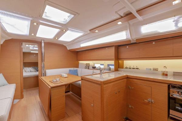 39' Dufour, Listing Number 100845495, - Photo No. 9
