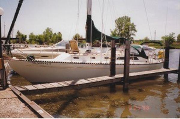 36' Islander 36