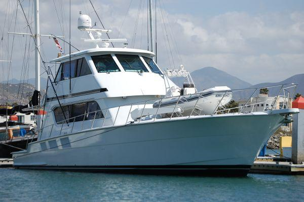 65' Hatteras, Listing Number 100780584, - Photo No. 2