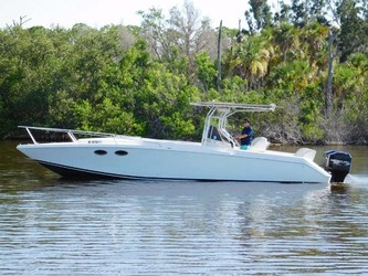 Used Boats: Donzi F 33 for sale