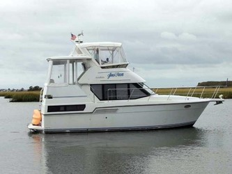 Used Boats: Carver 350 Aft Cabin for sale