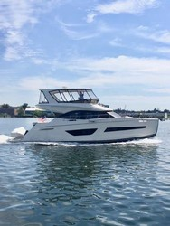 Used Boats: Carver 52 Command Bridge for sale