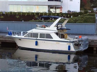 Used Boats: Tollycraft 30 Sport Cruiser for sale
