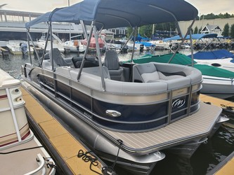 Used Boats: Manitou 23 Encore SHP 575 for sale