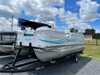 Used Boats: Bentley Pontoons Encore 200 Cruise for sale