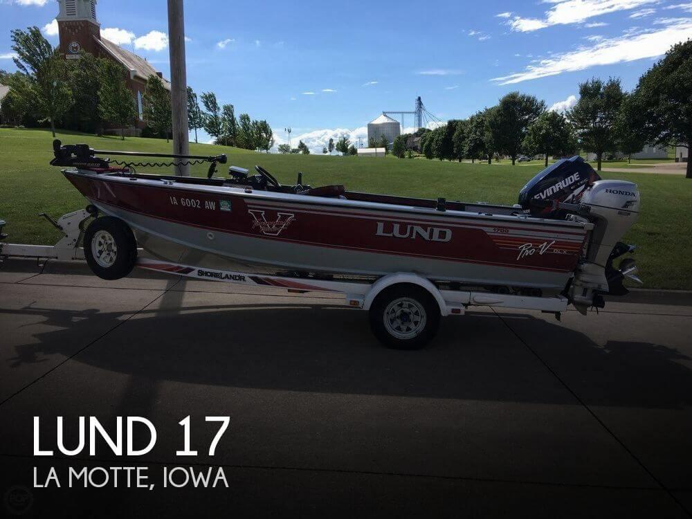 17' Lund Pro V 1700 Deluxe