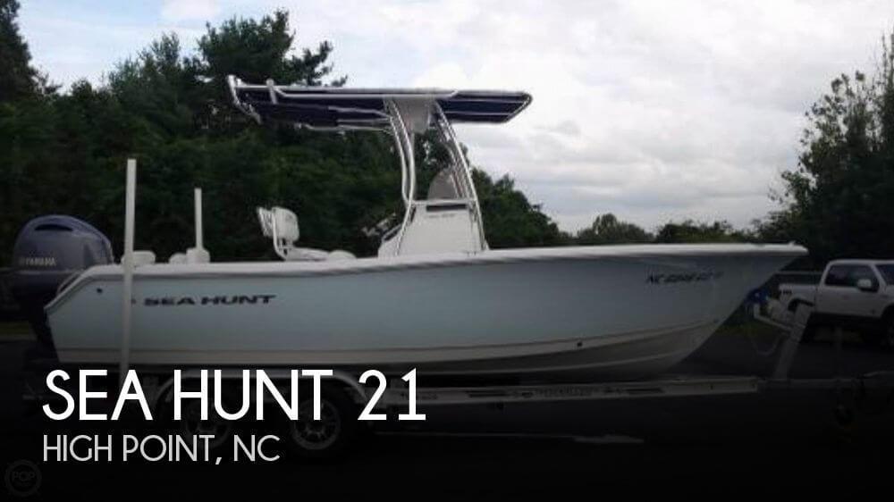21' Sea Hunt Triton 210