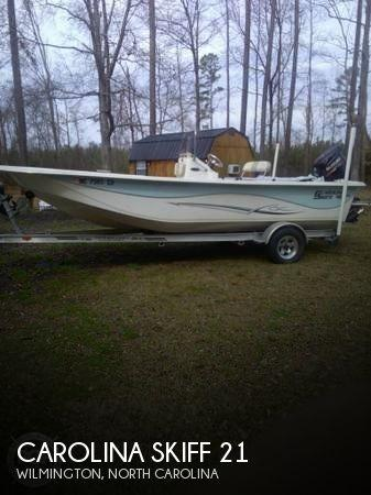 21' Carolina Skiff 218 DLV