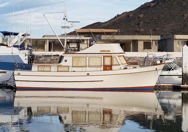 40' Marine Trader 40 Trawler