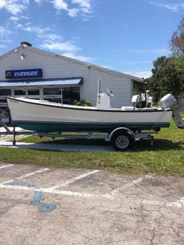 18' Eastern Classic Center Console