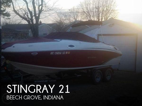 21' Stingray 215LR
