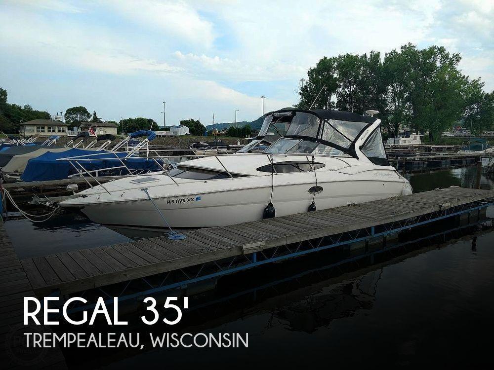 34' Regal 3360 Window Express Cruiser