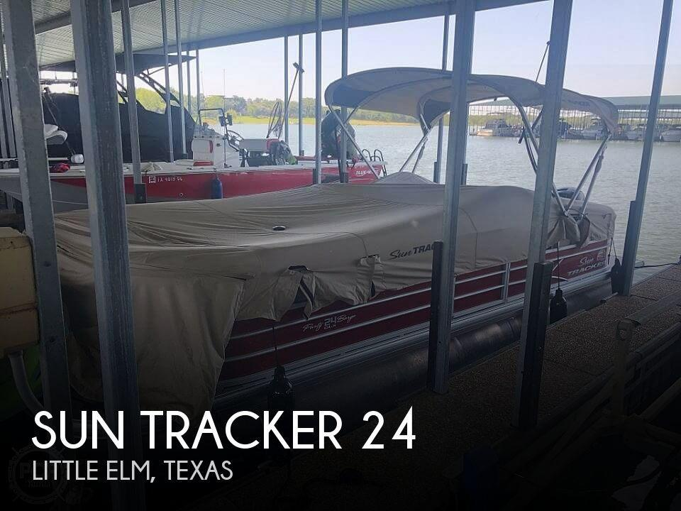 24' Sun Tracker Party Barge 24 DXL