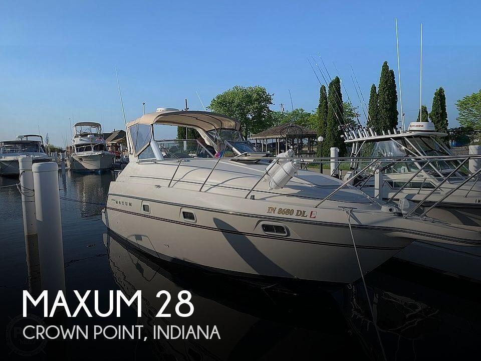 28' Maxum 2800 SCR